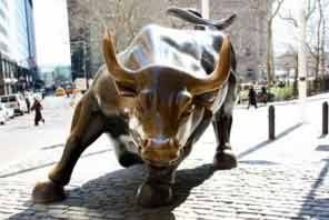 Views of the Charging Bull in New York